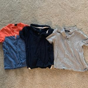 Old navy 4T polos and 1 babygap Henley